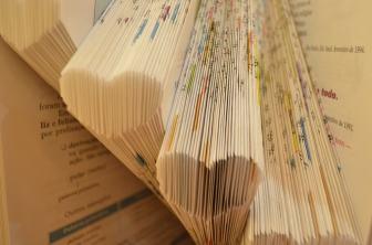 Oficina de Book Folding com a Fuzina em Porto Alegre
