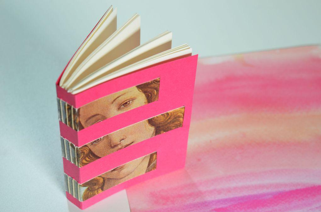 caderno em papel fuzina